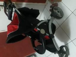 Carrinho de bebê c/bebê conforto