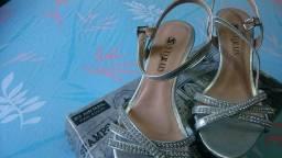 Sandália prata tamanho 35