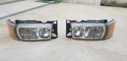 Par de faróis Scania R 440 2013