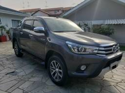 Excelente Toyota Hilux - 2015