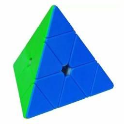 (Cubo Mágico) Pyramix Yuxin Little Magic