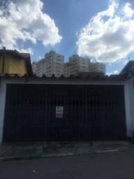 Bela casa à venda em A. E. Carvalho