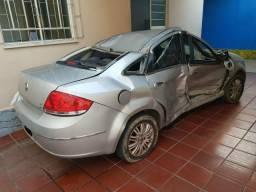 Vendo Fiat Linea 2010 batido - 2010