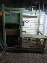 Máquina de fazer vassoura caipira crioula de palha