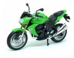 Moto Kawasaki Z1000 ? Coleção Escala 1/18 MIniatura