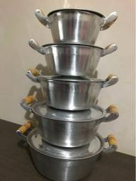 Jogo de panela em alumínio batido 5 peças polida