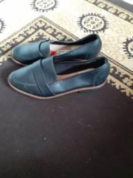 Vendo uma sapatilha