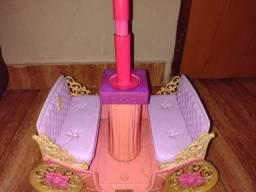 Carruagem Barbie Escola de Princesas