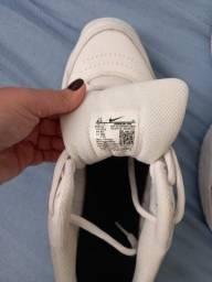Tênis Nike Courte Lite 2