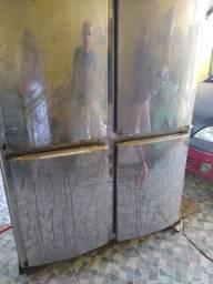 Geladeira comercial quatro portas gelopar