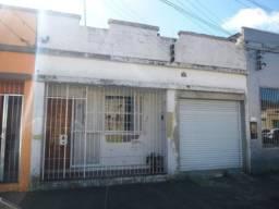 Casa, Centro (em frente ao Hospital Miguel Pilcher) Leia o anúncio completo