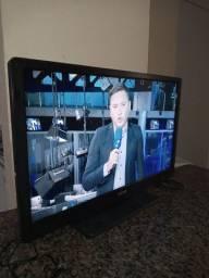Televisão da marca CCE