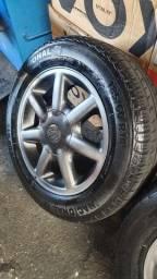 Rodas 14 originais wv pneus 185/60/14 roda bastante ainda