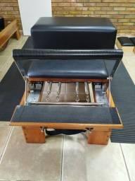 Vendo reformer clássico com caixa, bastão e molas clássicas de mensa tensão.