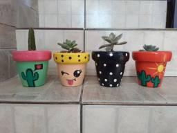 Vaso de plantas com pintura