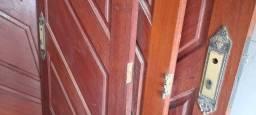 Portas de madeira maciça