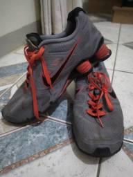 Nike shox e Chuteira Umbro