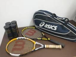 Raquete de Tenis (02 raquetes + 01 raqueteira + 12 bolas)
