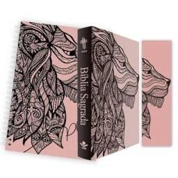 Bíblia Kit leão rosa