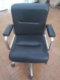 Cadeira executiva Tok&Stok