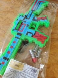 Pistola Arma Minecraft Diamante C/som E Luz laser 40cm