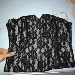 Blusa de festa com detalhes de pedras feito à mão