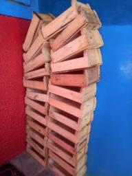 25 caixote de madeira perquena 3,00 cada  não entrego aceito pix