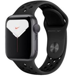 Apple Watch Nike Series 5 (GPS) 40mm
