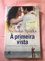 À primeira vista, Nicholas Sparks.