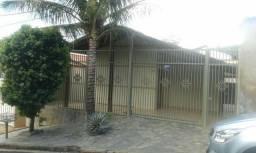 Aluga-se Casa bairro Fabricio Uberaba MG