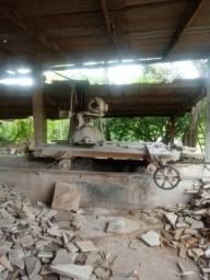 Maquina de serrar marmores e granitos