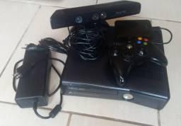 Xbox 360 Slim Desbloqueado (Ótimo estado e funcionamento)