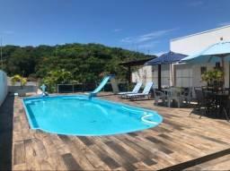 Aluga-se linda casa de praia com piscina en Itapoa ; barra do saí por temporada
