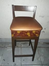 Vendo 20 bancos de madeira alto para bar/restaurantes R$ 150,00 cada