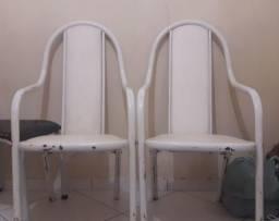 Pedra de mármore e 4 cadeiras