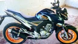 Moto Honda cb Twister edição limitada ABS