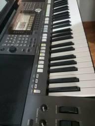 Teclado Yamaha profissional psr 975