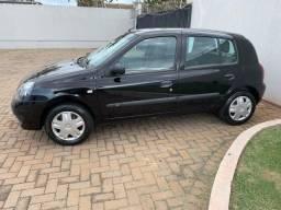Renault Clio 1.0 4P com Ar Condicionado
