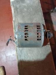 Motor elétrico