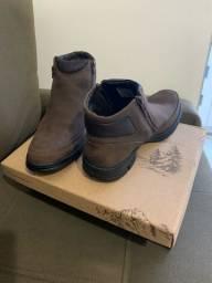 Bota nova da Boots R$ 310,00