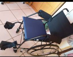 Cadeira de rodas + assento azul