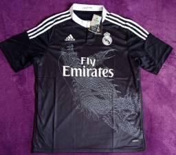 Camisa do Real Madrid retrô (disponível: GG)