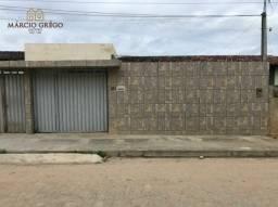 Alugo casa no bairro Boa Vista, com 3 quartos.
