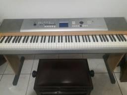 Teclado Yamaha DGX 630