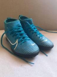 Chuteira Nike infantil society (usada)