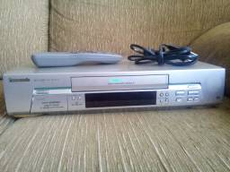 Vendo videocassete, ou video cassete, Panasonic nv-fj605 com defeito
