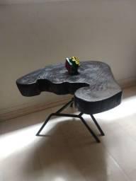 Mesa de centro lindíssima, peça única.