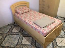 Cama de solteiro + 2 colchões para vender logo
