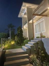 .CÓD: 146 Casa de Alto Padrão próximo do Centro em Condomínio