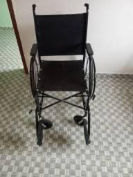 Cadeira de rodas seminovos.